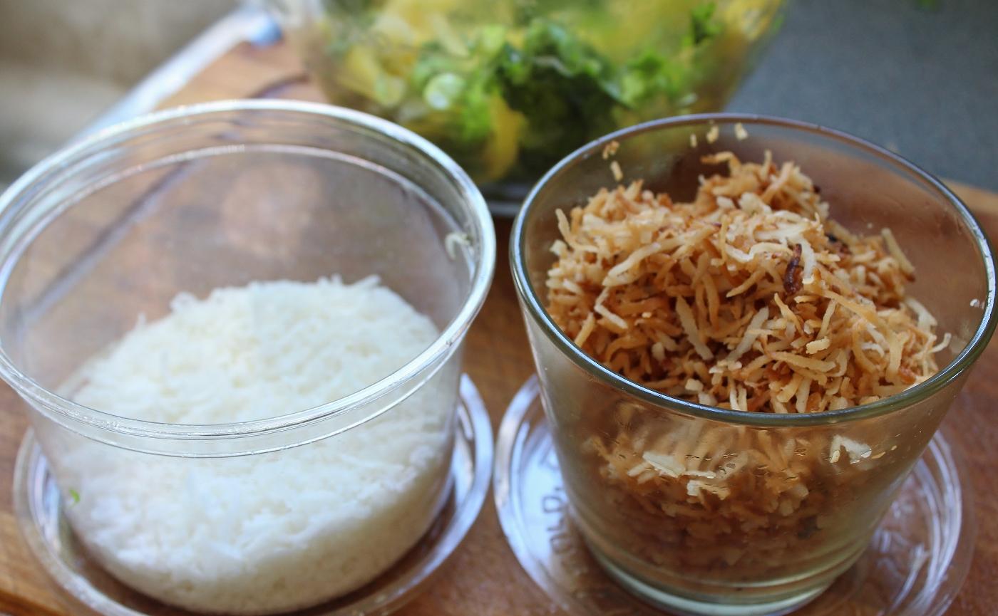 coco rape roti grated cooconut roasted  (1400x865)