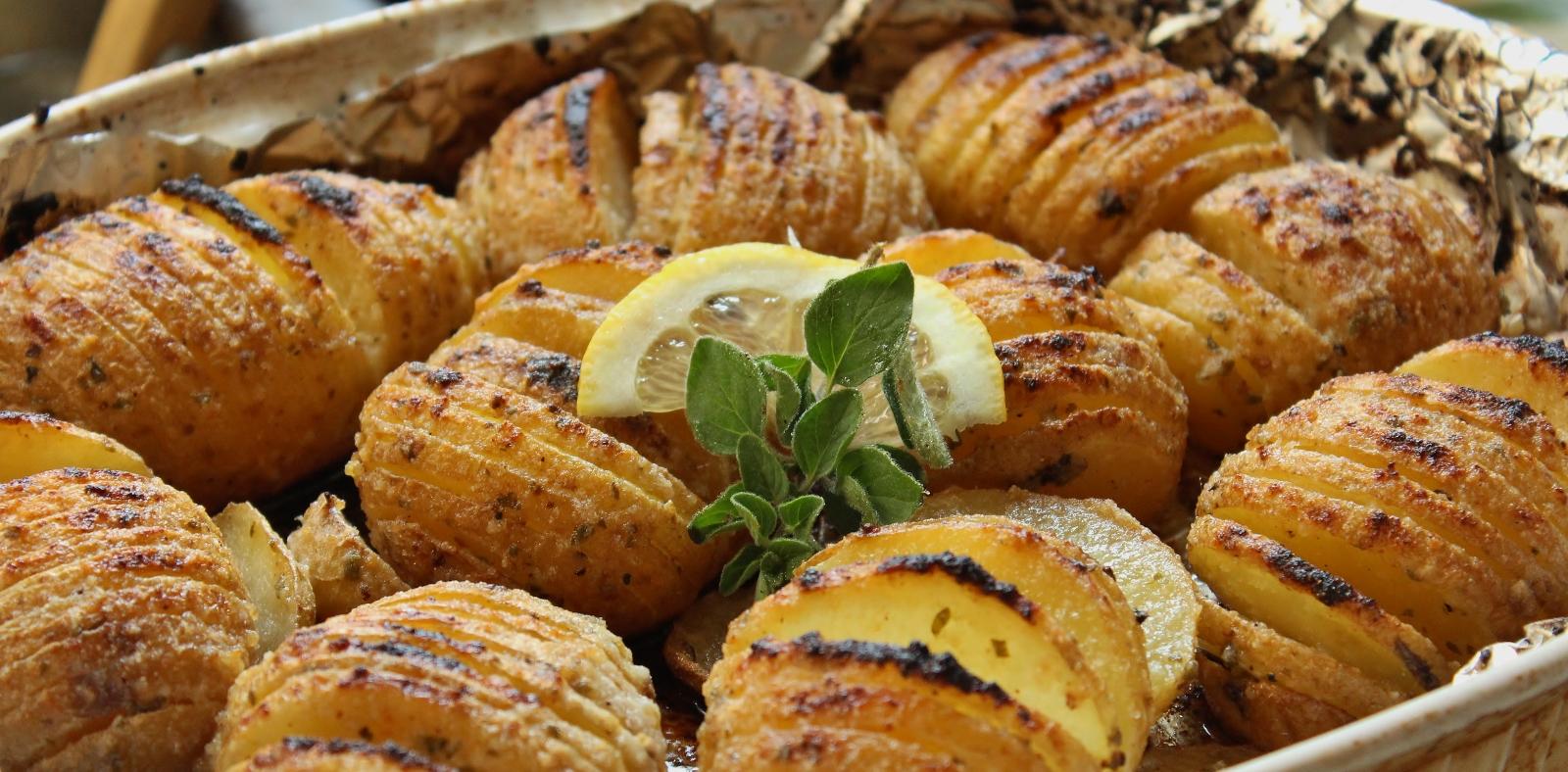 patates hasselback citron et origan (1600x788)