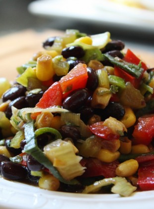 salade de mais et haricots noirs vegan bailey (1400x933)