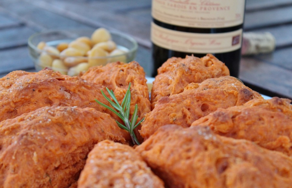 Vegan scones tomates romarin (1200x773)
