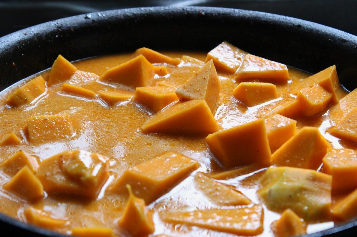 curry la courge butternut tofu et bette carde. Black Bedroom Furniture Sets. Home Design Ideas